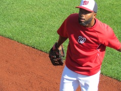 Denard Span with a toss up