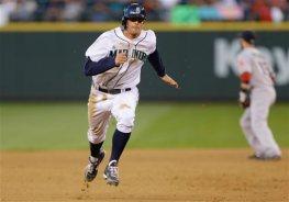 Brad Miller running bases