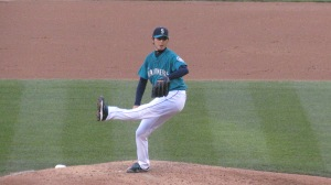Iwakuma pitching leg up