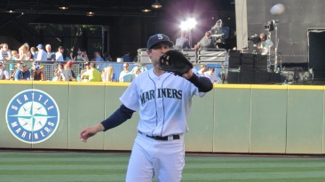 Brad Miller warms up just before he thew me a baseball :D