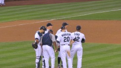 Mariners meeting on the mound