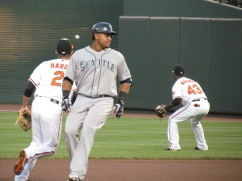 Nelson Cruzes into second base