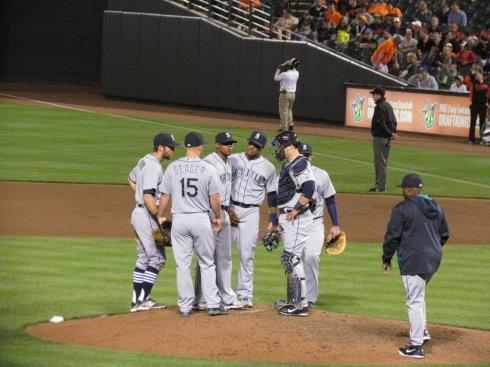 Mariners pitching change