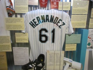 Livan Hernandez jersey